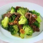 NHKきょうの料理ビギナーズはブロッコリーと牛肉のオイスターソース炒め・ブロッコリーとささ身のマヨグラタンレシピ!