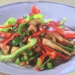 NHKきょうの料理ビギナーズはピーマンと豚肉のにんにくみそ炒め・ピーマンといかの塩炒めレシピ!