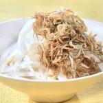 NHKきょうの料理ビギナーズはオニオンスライスのしらすドレッシング・蒸し鶏の新たまタルタルソース風レシピ!